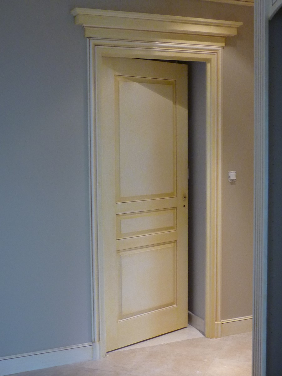 Architecture et la d coration int rieure en staff orne - Decoration de porte interieur ...